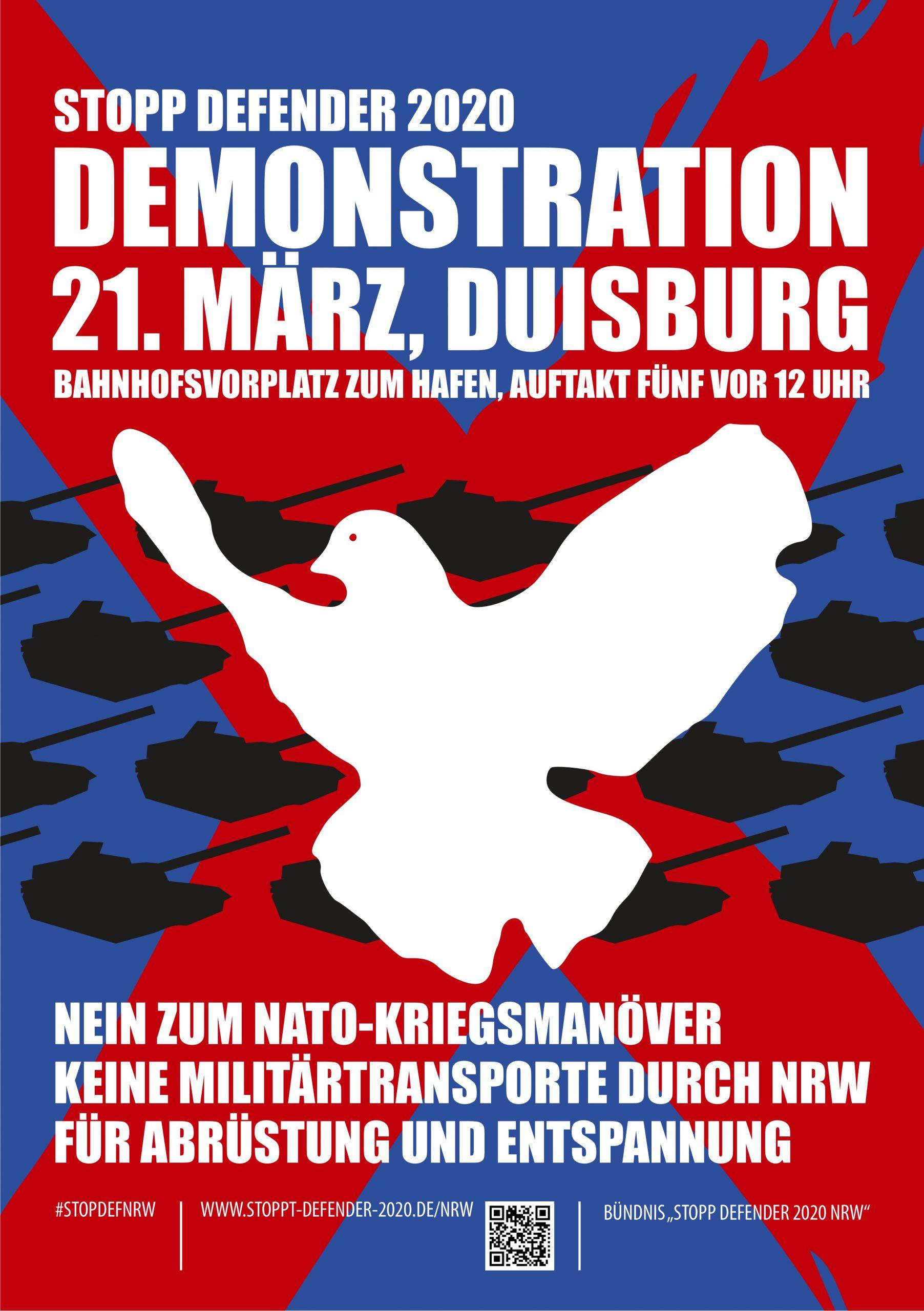 Demo-Plakat, das eine weiße Friedenstaube zeigt, die eine Menge scherenschnittartiger schwarzer Panzer auf blau-rotem Hintergrund verdeckt.